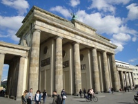how to book bus excursions from Dresden to Berlin?