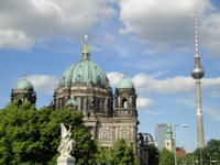 sightseeing bus excursion to Berlin with city tours in the city