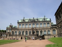 how to rent a bus for a long-range transfer from Dresden